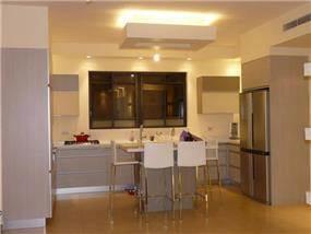 חלל המטבח כולל אי, עיצוב סיגל נייגרציק אבירם