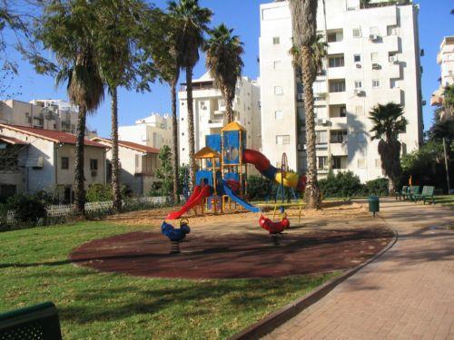 גן ציבורי, רחובות - רז מיכאלי - עיצוב גנים ונוף