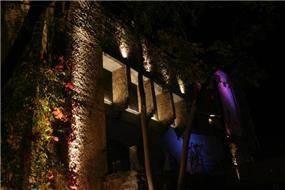 הארת חזית מבנה לשימור - איילון גביש - עיצוב ותכנון תאורה אדריכלית