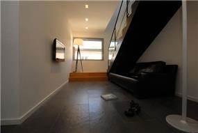 מעלה מדרגות עוצב על ידי ניצן הורוביץ ובשיתוף המעצבת רויטל תירוש