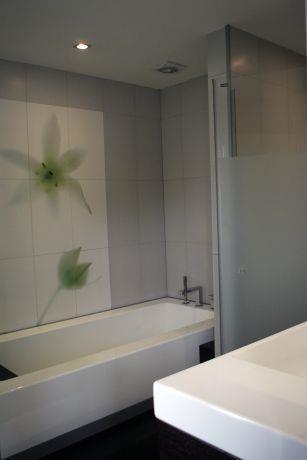 חדר אמבטיה -ניצן הורוביץ מעצב ,בשיתוף עם מודי קרמיקה