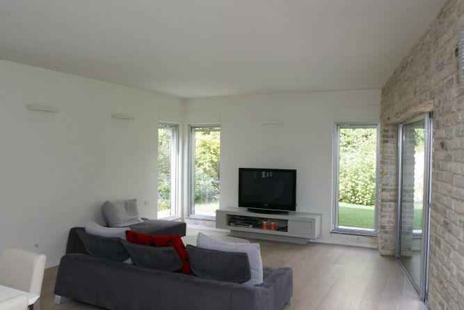 סלון -ניצן הורוביץ מעצב בשיתוף עם דירן רהיטים