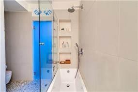 חדר אמבטיה שתוכנן על ידי המעצב ניצן הורוביץ
