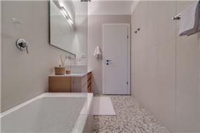 חדר אמבט בעיצוב ניצן הורוביץ