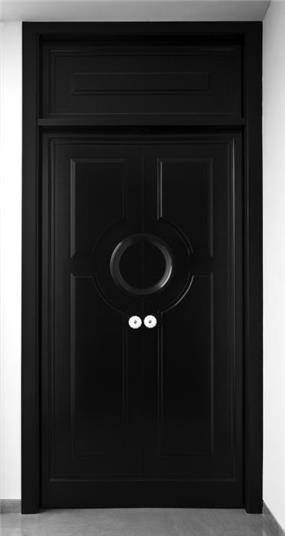 """דלת חדר שינה שתוכננה על כל פרטיה כולל הידיות ע""""י """"וי סטודיו"""""""