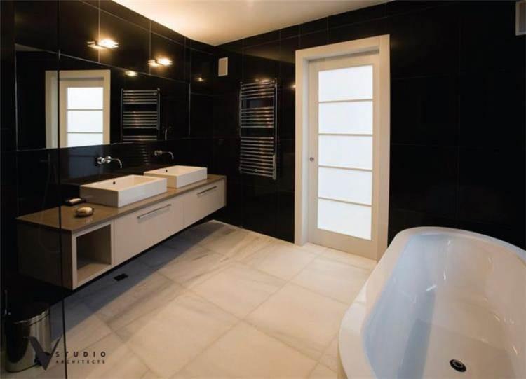 חדר רחצה בתכנון גיא וליקסון ודודי עזוז, צילום: מושי גיטליס