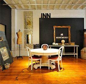 דירת סטודיו לאמן הצבעים להשראה מראה חמים ופתוח
