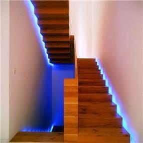 אילן פיבקו אדריכלים -   בית פרטי בהרצליה פיתוח – גרם מדרגות, צילום: יעל פינקוס