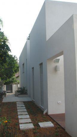 בית פרטי שביל הכניסה לבית- אבן יהודה
