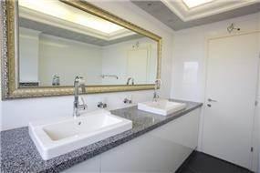 חדר אמבטיה בעיצוב וילציק עיצוב פנים