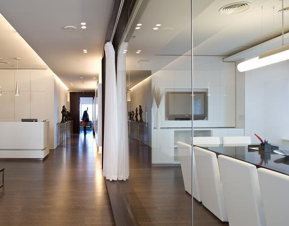חדר עבודה בתכנון נורית לשם, (צילום: עמית גירון)