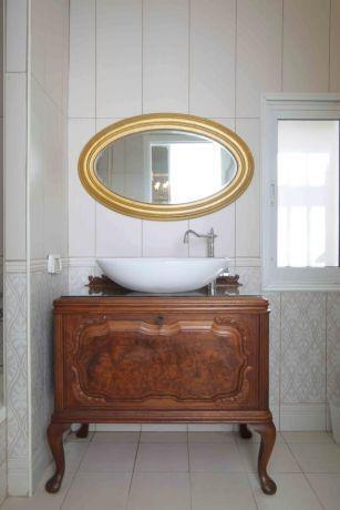 אמבטיה יוקרתית, נורית אמויאל - מעצבת פנים