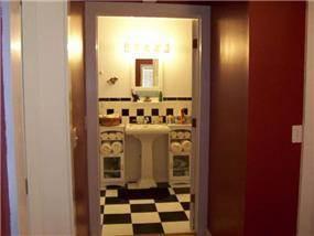 """חדר אמבטיה בדירה שכורה - ת""""א"""