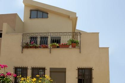 חזית בית בתל אביב