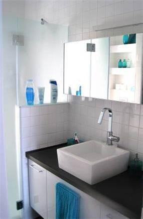 """חדר אמבטיה בעיצוב סטודיו """"מסירה מיוחדת"""""""