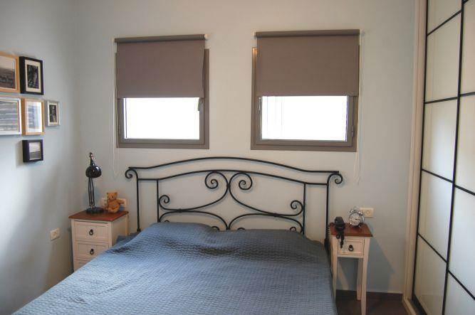 """חדר שינה בעיצוב סטודיו """"מסירה מיוחדת"""""""