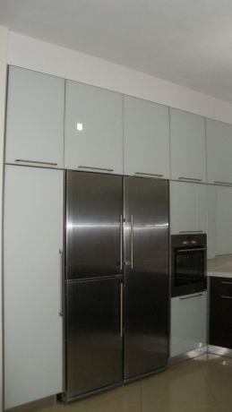 מטבח-זכוכית לבנה,קו נקי ומודרני