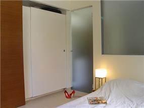 """ת""""א, עיצוב חדר שינה בסגנון מודרני,"""