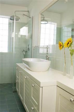 רמת חן, ארונות אמבטיה, מקלחון, חדר אמבטיה מעוצב.