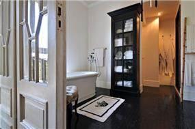 חדר אמבטיה מפנק, וויט אדריכלים