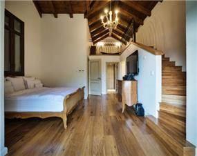 חדר שינה חמים, וויט אדריכלים