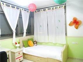 חדר ילדה מעוצב בתכנון מגי סולומון
