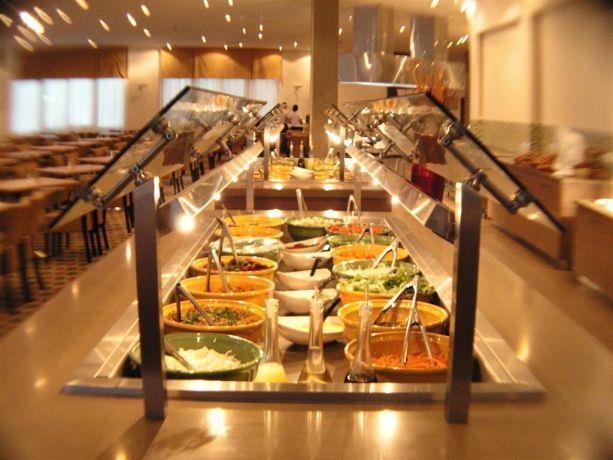 חדר אוכל במלון דן פנורמה אילת