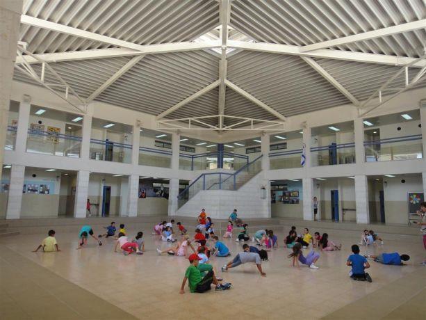 בית ספר אהוד מנור פתח תקווה