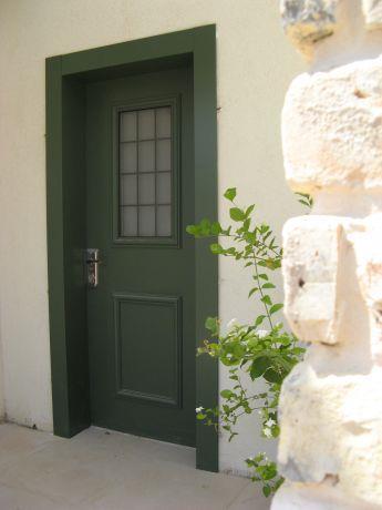 כניסה לבית מגורים בסגנון כפרי-אדריכלית שגית גולדשמידט