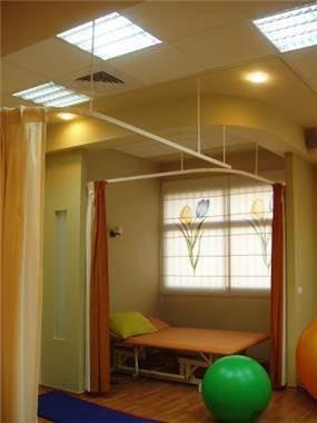 מכון לפיסיוטרפיה חדר טיפולים מעוצב