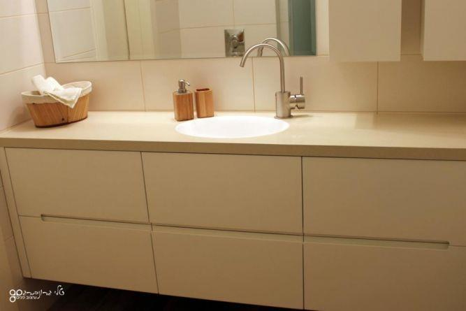 חדר רחצה בסגנון קלאסי, בעיצוב טלי גרונברג