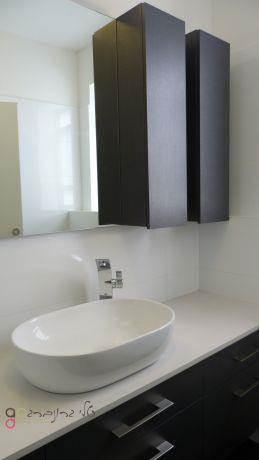 חדר רחצה מודרני בעיצוב טלי גרונברג