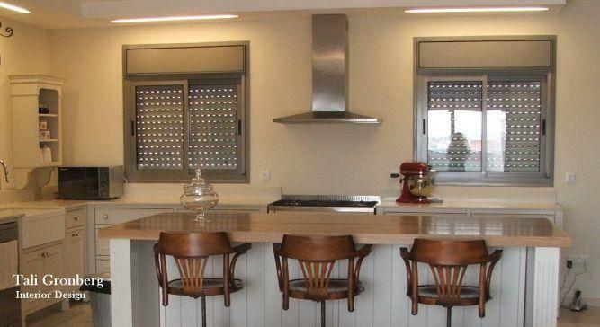 מטבח מעוצב בסגנון פרובנס - טלי גרונברג עיצוב פנים