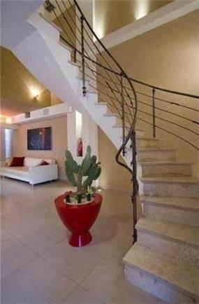 מדרגות בעיצובה של הילית קרש