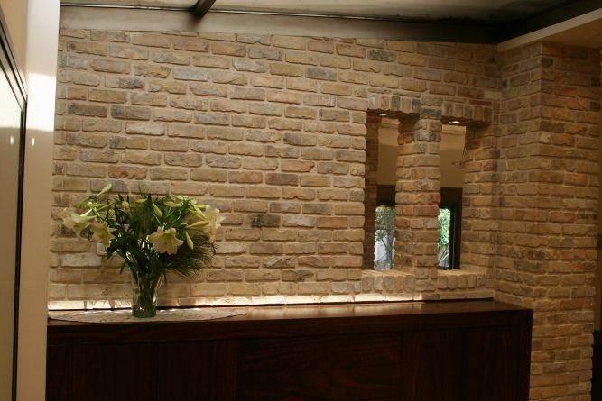 קיר מעוצב בבית ברמות השבים