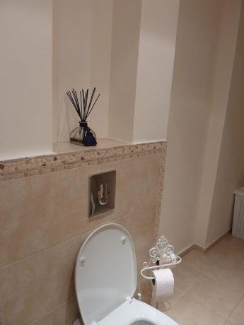 חדר שירותים בפנטהאוז בהוד השרון