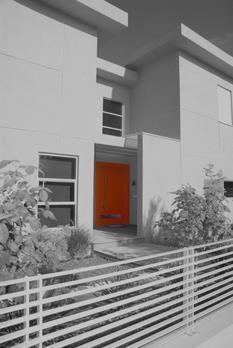 חזית ודלת כניסה