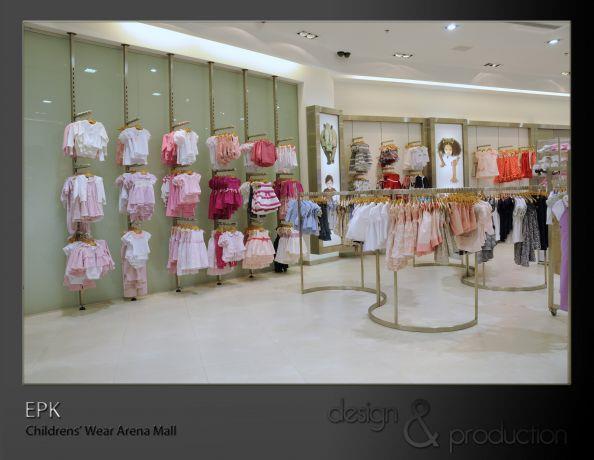 EPK חנות בגדי ילדים עבור רשת עולמית, קניון ארנה. חלל התצוגה בחנות. עוצב על ידי סטודיו ארטישוק.