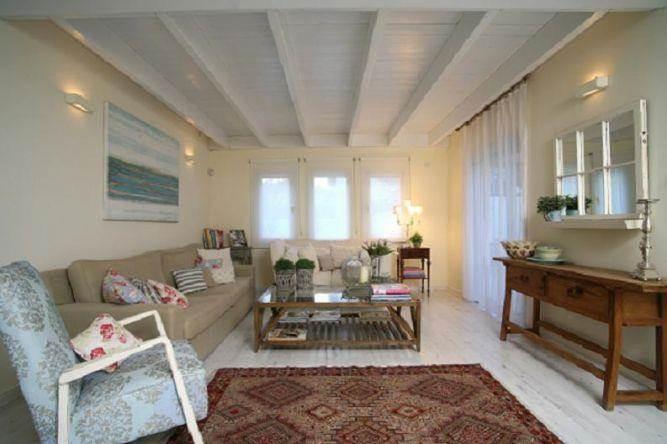 חדר מגורים - בית בהרצליה פיתוח