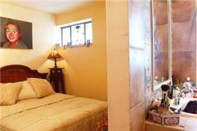 יחידת הורים, תפיסה שונה של הפרדת חלל השינה מחלל האמבטיה