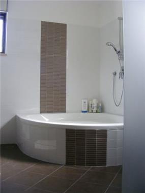 חדר אמבטיה - מקלחת - שירי ארצי - תכנון ועיצוב פנים