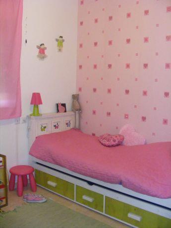 חדר ילדה עם טפט - שירי ארצי - תכנון ועיצוב פנים