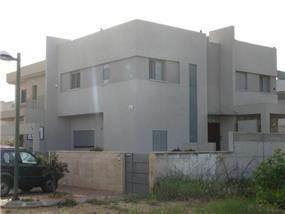 בית פרטי: בן 2 קומות