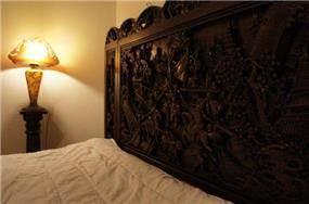 עיצוב מפואר למשענת ראש מיטה בחדר שינה. תאופיק סלים אדריכלות ועיצוב פנים