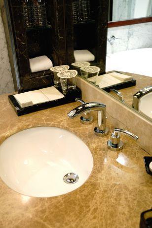 חלל אמבטיה מינימחיסטי