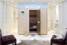 חדר שינה + חדר רחצה בבית בוילה נובל, בעיצובו של אלדד מיטלמן