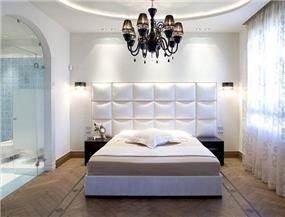 חדר שינה בבית בוילה נובל, בעיצובו של אלדד מיטלמן