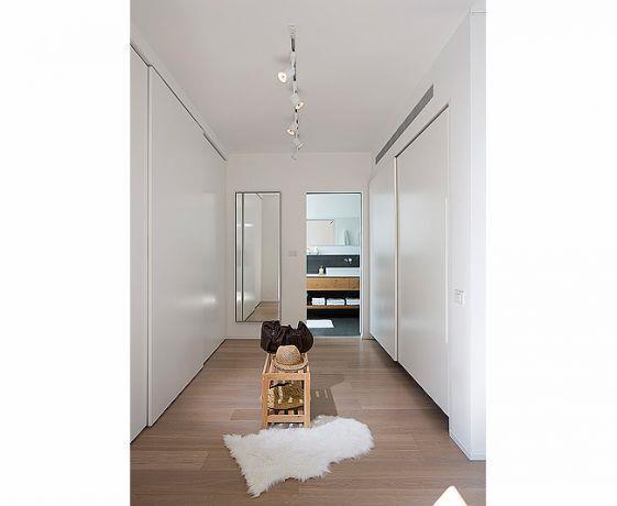 חדר ארונות, שחר רוזנפלד אדריכלים