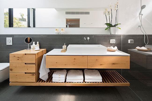 אמבטיה לאחר שיפוץ, שחר רוזנפלד אדריכלים