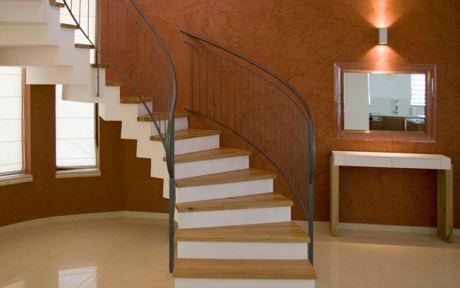 מדרגות בוילה בנווה דורון, עיצוב: שמרית קאופמן - סטודיו פרטים
